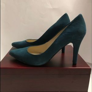 Nine West Garrisons Pump Teal Suede